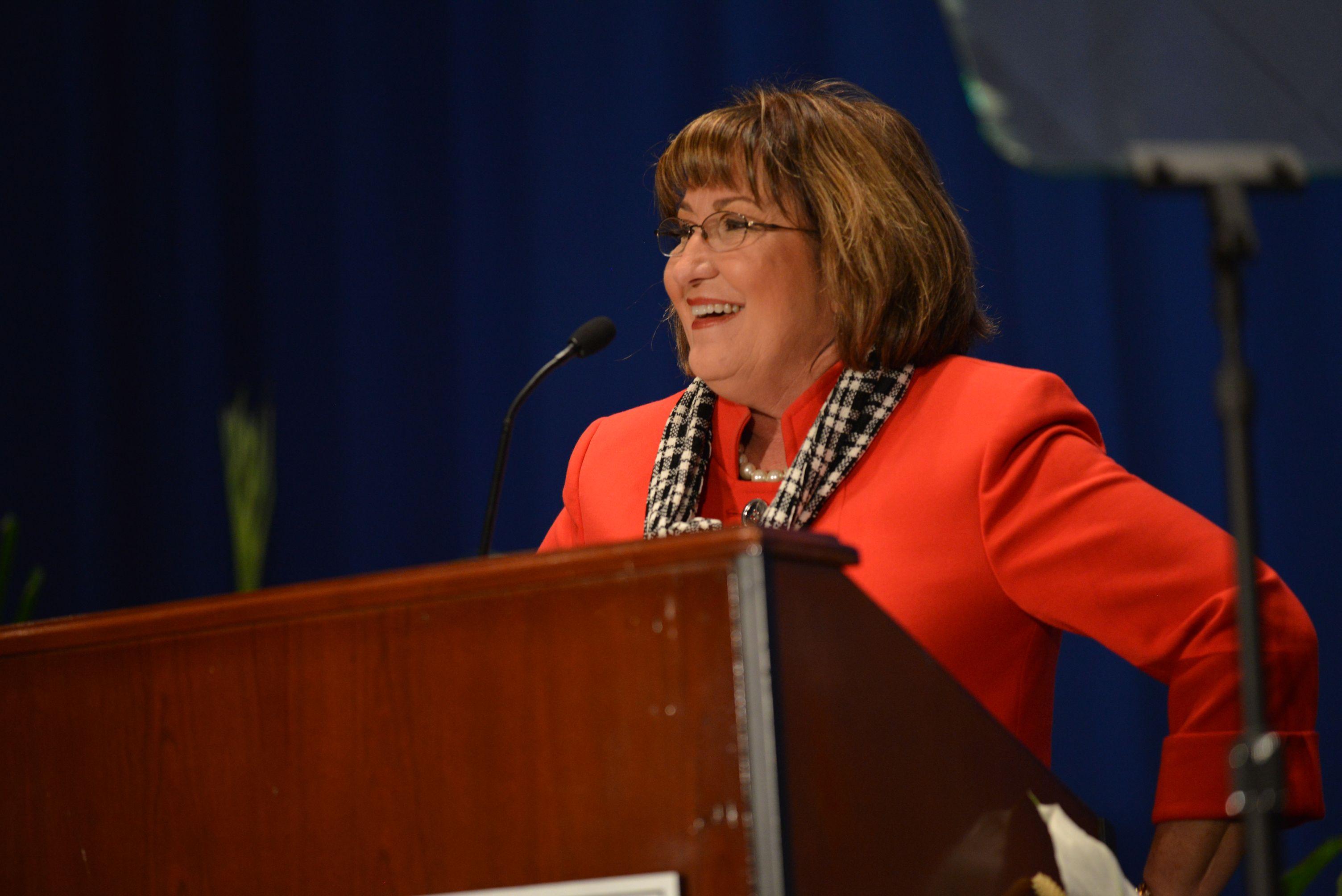 La Alcaldesa Jacobs en la Cumbre Económica