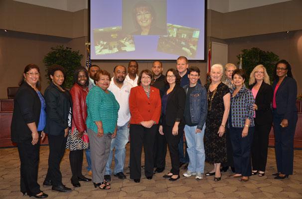 """La Alcaldesa Jacobs con la Clase de """"La Experiencia del CO"""""""