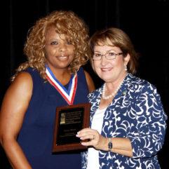 La Alcaldesa Jacobs en la Conferencia de Vecindarios de la Florida