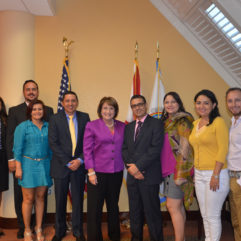 Mayor Jacobs with distinguished Colombian faculty