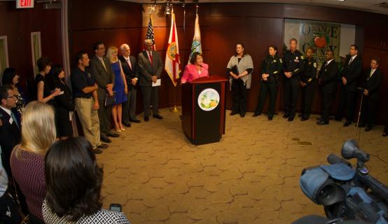 La Alcaldesa Jacobs habla sobre el abuso infantil