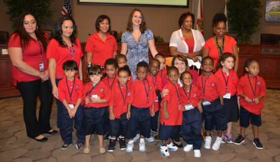 Head Start Pre-schoolers and personnel with Mayor Jacobs