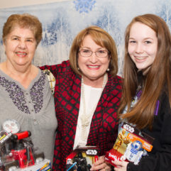 Mayor Jacobs Joins Holiday Heroes Toy Drive  Shopping Event at Taft Neighborhood Center