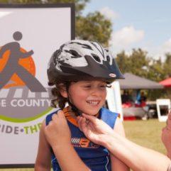El Condado de Orange Avanza con la Iniciativa de Seguridad para Peatones Walk-Ride-Thrive