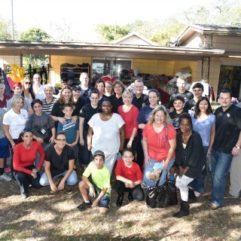 """El """"Día de la Solidaridad"""" Ayuda a los Sin Techo Locales con Trastornos Mentales"""