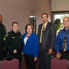 La Cumbre sobre Tratamiento y Prevención de Abuso de Menores Destaca a la Comisión contra el Abuso Infantil y la Violencia Doméstica del Condado de Orange