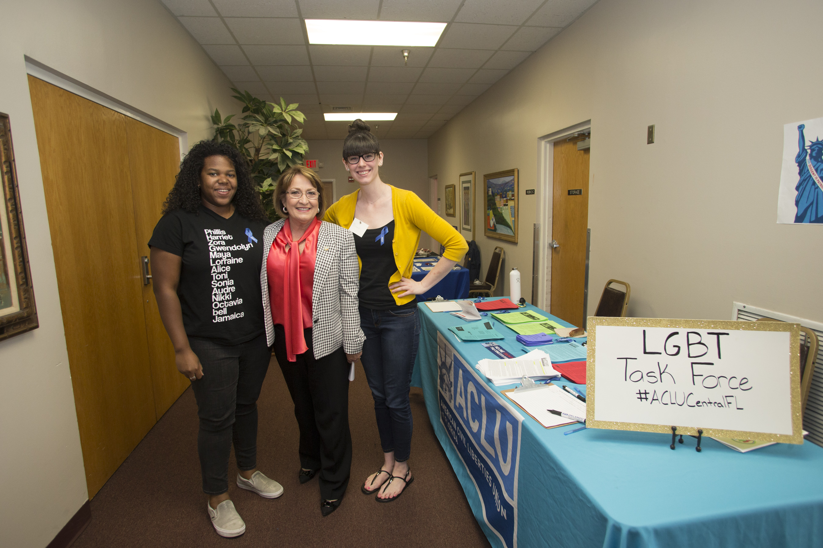 """En mayo de 6 la Alcaldesa Teresa Jacobs inauguró la Cumbre """"Orlando Youth Empowerment Summit"""" (OYES, por sus siglas en inglés)."""