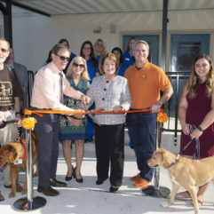 Ribbon cutting photo with the Mayor