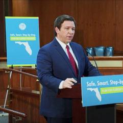 El Gobernador Desantisen el podio