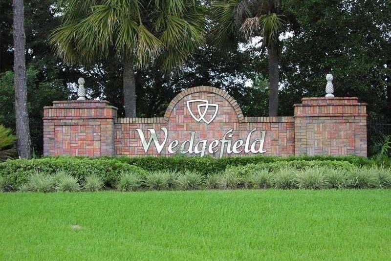 Brick monument sign for Wedgefeild community